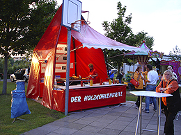 Holzkohlengrill